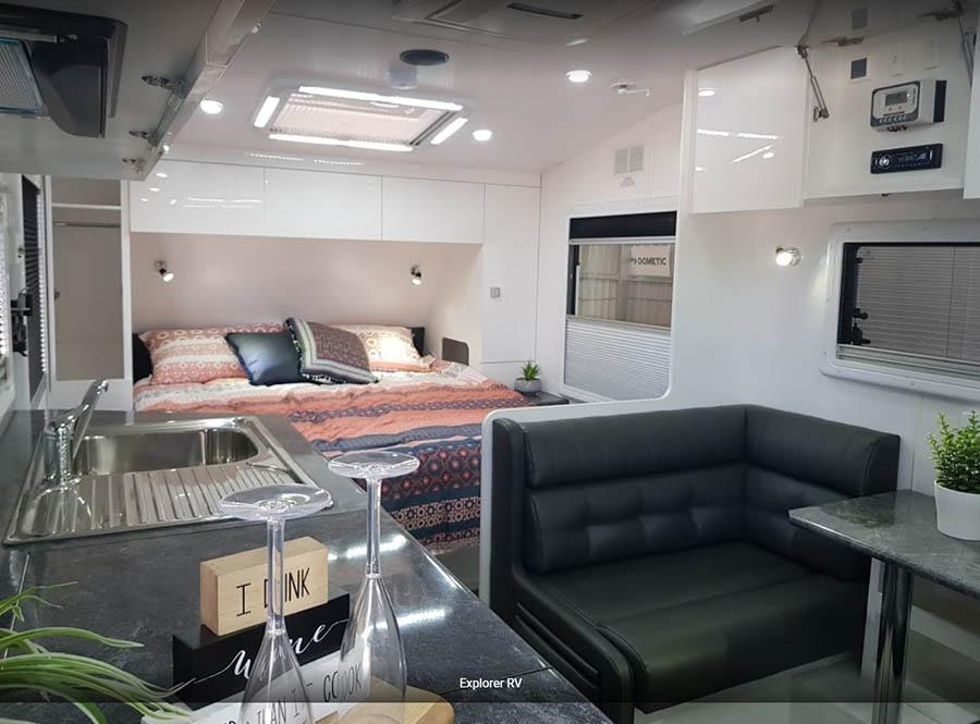 Explorer RV Legend Trackline Caravan